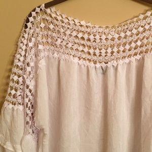 Zac & Rachel woman  white blouse with lace